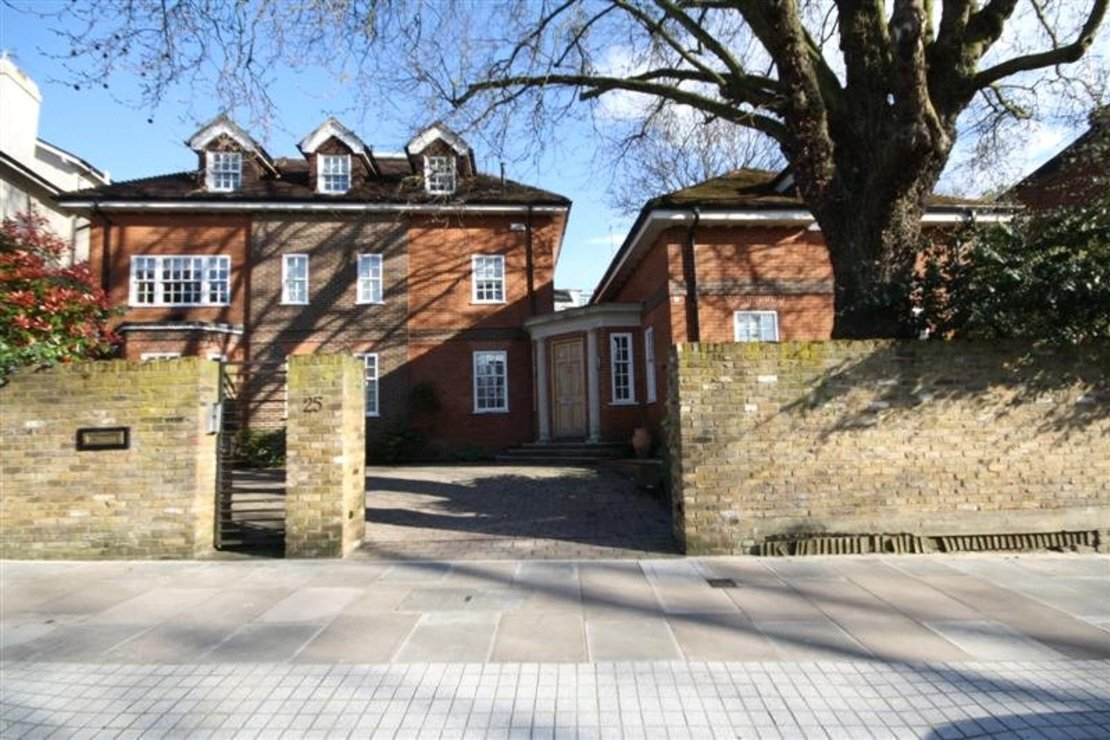6 bedroom House for sale in Marlborough Place-view1