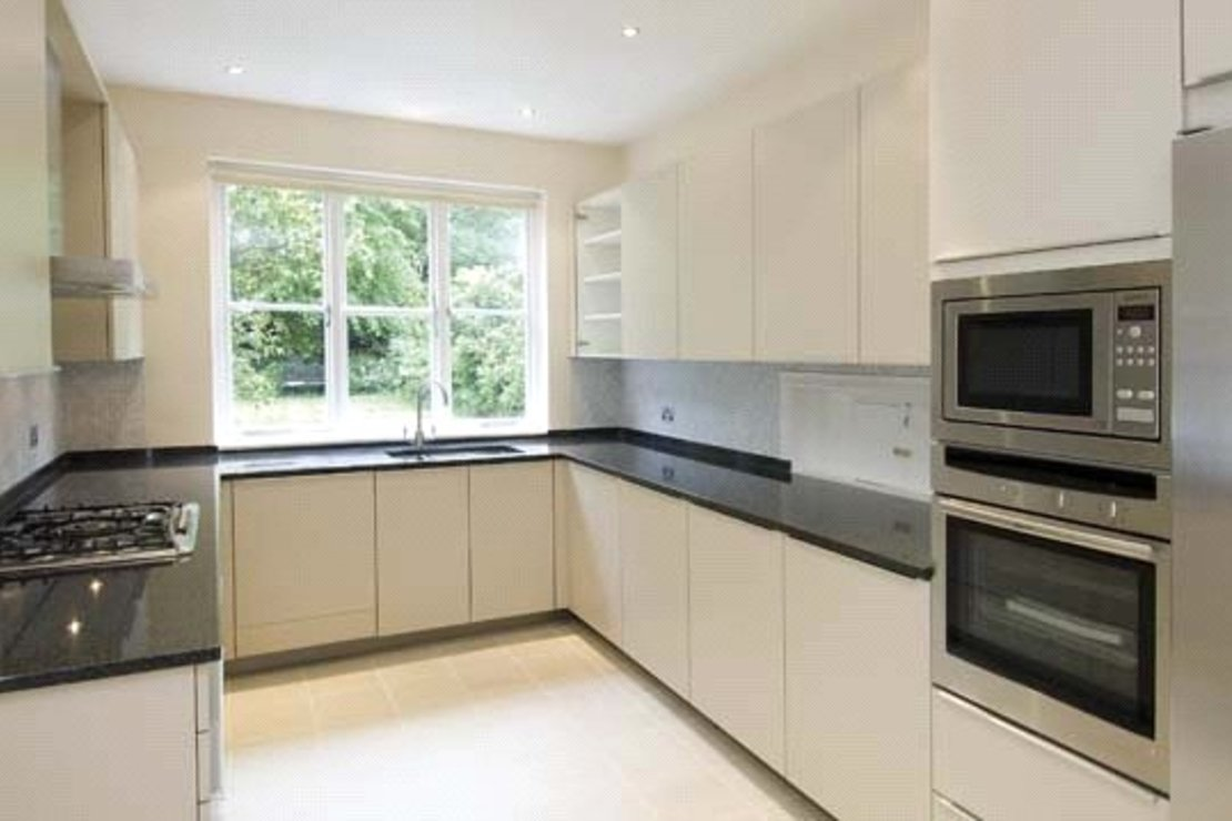 6 bedroom House to rent in Grove End Road-view3
