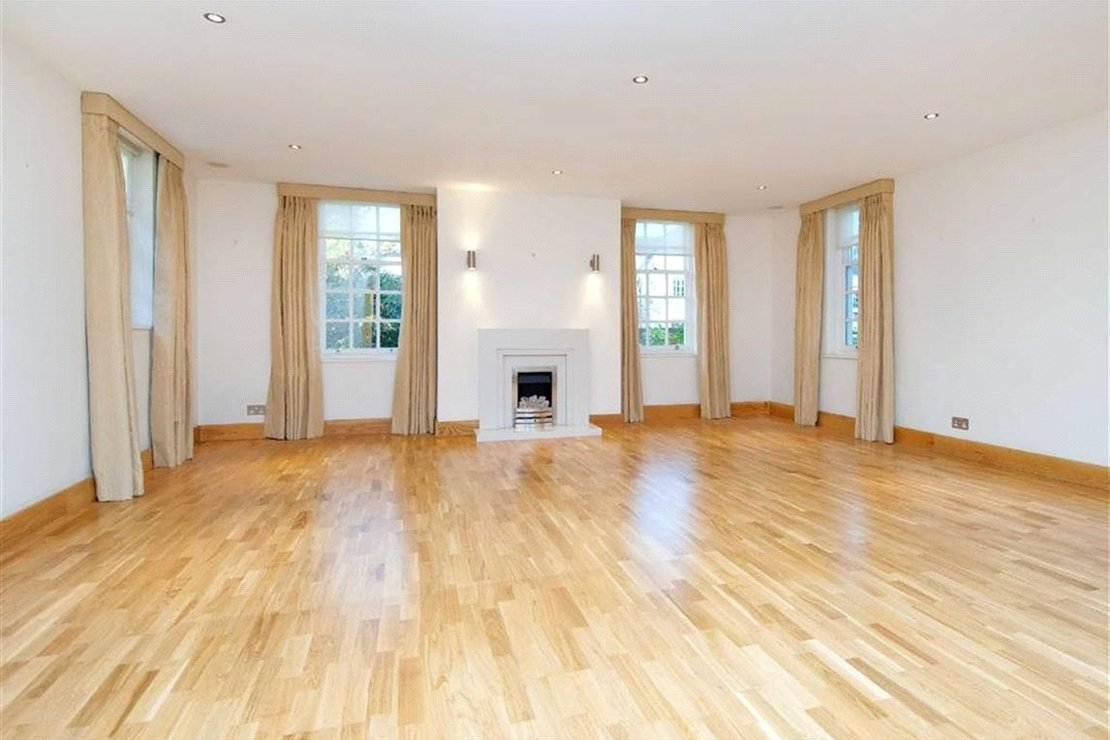 6 bedroom House to rent in Marlborough Place-view1