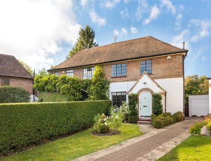 4 bedroom House for sale in Holyoake Walk-List399