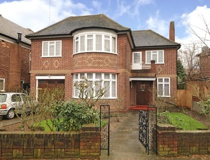 4 bedroom House for sale in Manor House Drive-List131