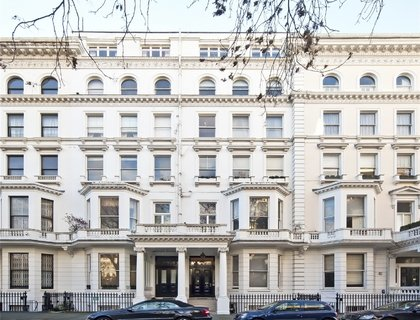 4 bedroom Flat for sale in Queens Gate-List690