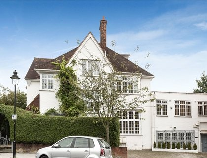 6 bedroom House for sale in Ranulf Road-List125