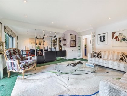 3 bedroom House for sale in Regents Mews-List576
