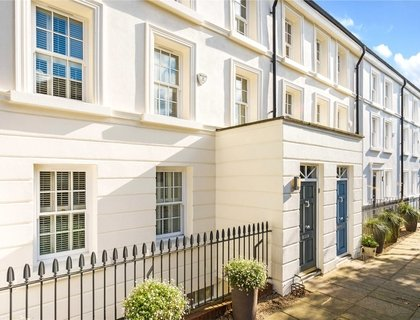 6 bedroom House for sale in Southwood Lane-List579
