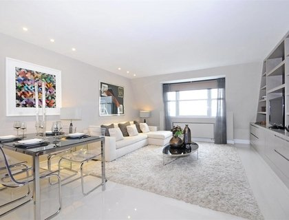 4 bedroom Flat to rent in Boydell Court-List267