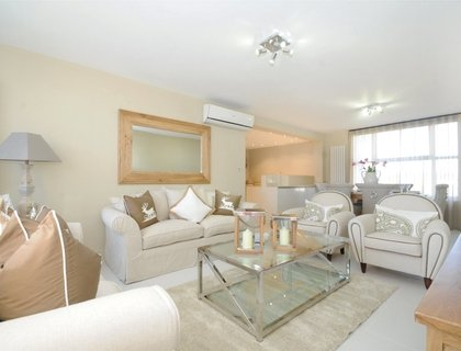3 bedroom Apartment to rent in Boydell Court-List268