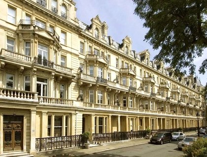 3 bedroom Flat to rent in Cambridge Gate-List223