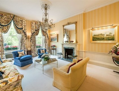 2 bedroom Maisonette to rent in Eaton Square-List82