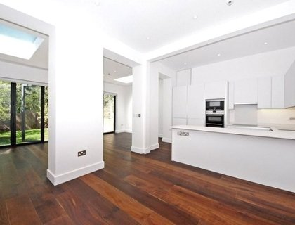 4 bedroom Maisonette to rent in Goldhurst Terrace-List35