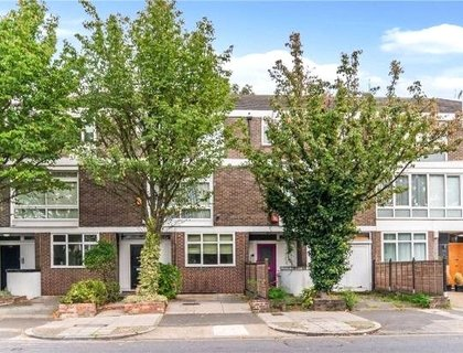 5 bedroom House to rent in Loudoun Road-List30