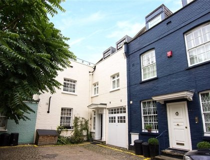4 bedroom House to rent in Princes Gate Mews-List501