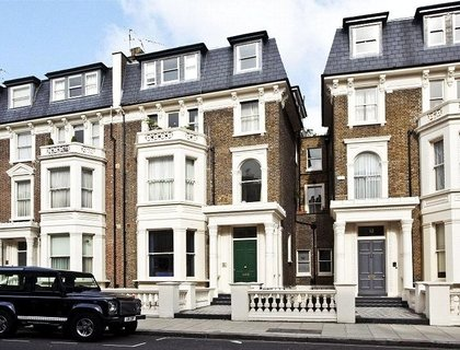 2 bedroom Apartment to rent in Randolph Crescent-List162